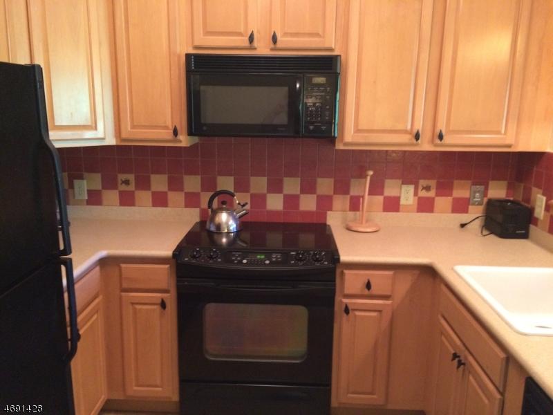独户住宅 为 出租 在 12-24 Pine Crescent 弗农, 新泽西州 07462 美国