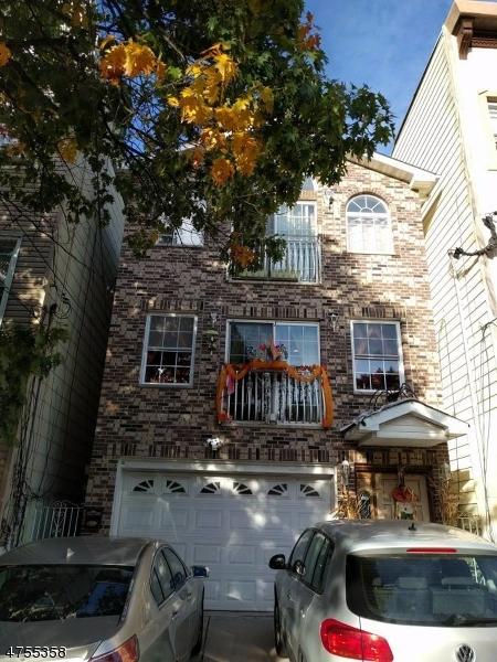 Casa Unifamiliar por un Alquiler en Address Not Available Jersey City, Nueva Jersey 07306 Estados Unidos