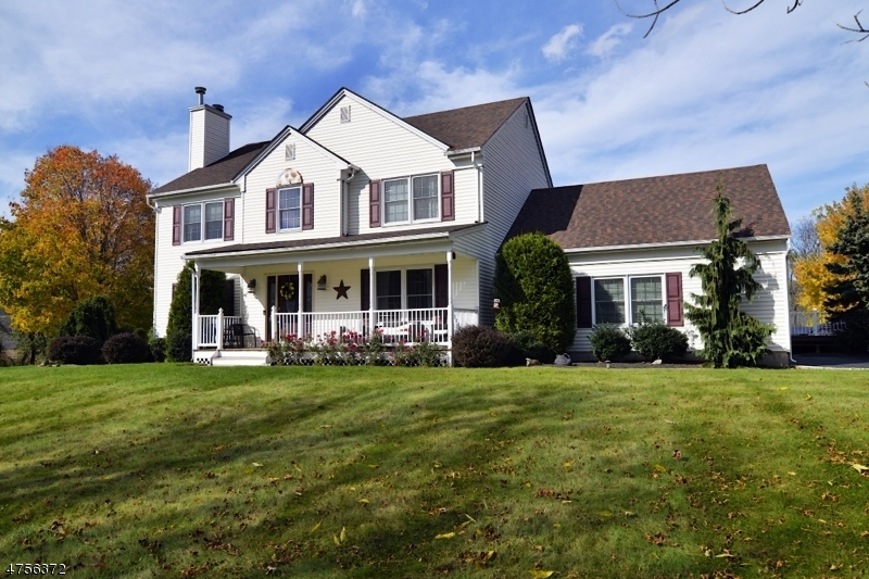 Single Family Home for Sale at 7 Country Meadow Road Mansfield, New Jersey 07840 United States