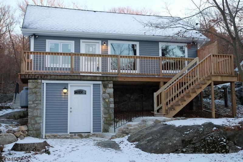Maison unifamiliale pour l Vente à 6 Reis Avenue Byram Township, New Jersey 07874 États-Unis