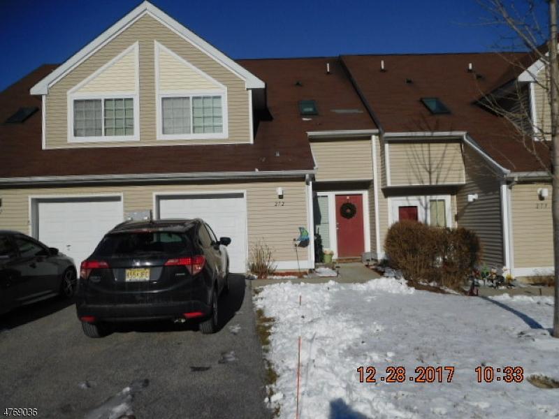 Single Family Home for Sale at 272 Falcon Ridge Way S Hamburg, New Jersey 07419 United States