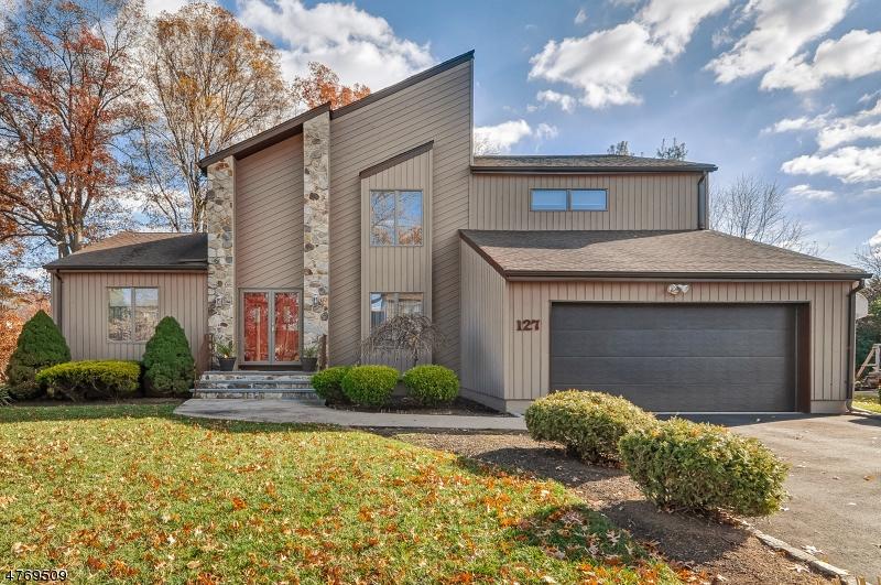 独户住宅 为 销售 在 127 Newbrook Lane 斯普林菲尔德, 新泽西州 07081 美国