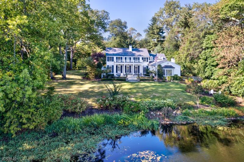 Casa Unifamiliar por un Venta en 92 Lake Road Millburn, Nueva Jersey 07078 Estados Unidos