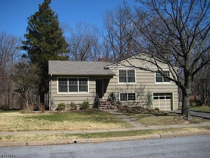 Maison unifamiliale pour l à louer à 9 Riverview Dr W Montclair, New Jersey 07043 États-Unis