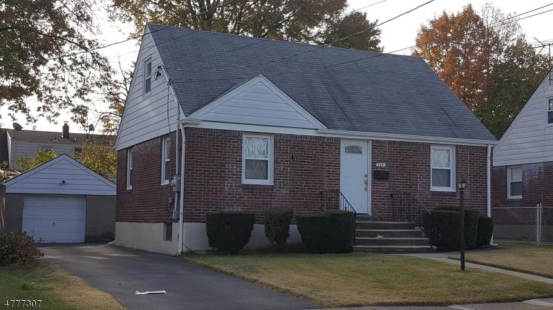 Maison unifamiliale pour l Vente à 164 Philip Avenue Elmwood Park, New Jersey 07407 États-Unis