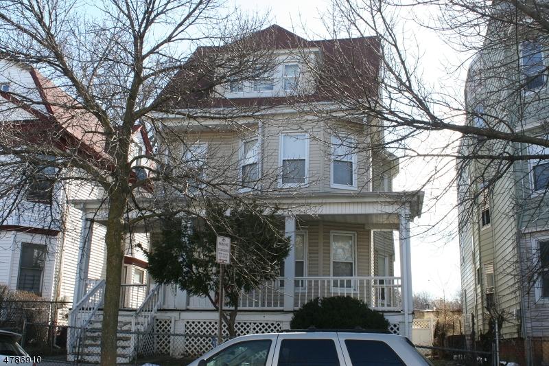 多戶家庭房屋 為 出售 在 18 CHELSEA Avenue Newark, 新澤西州 07106 美國
