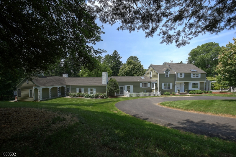 Single Family Home for Sale at Peapack Gladstone, New Jersey 07977 United States