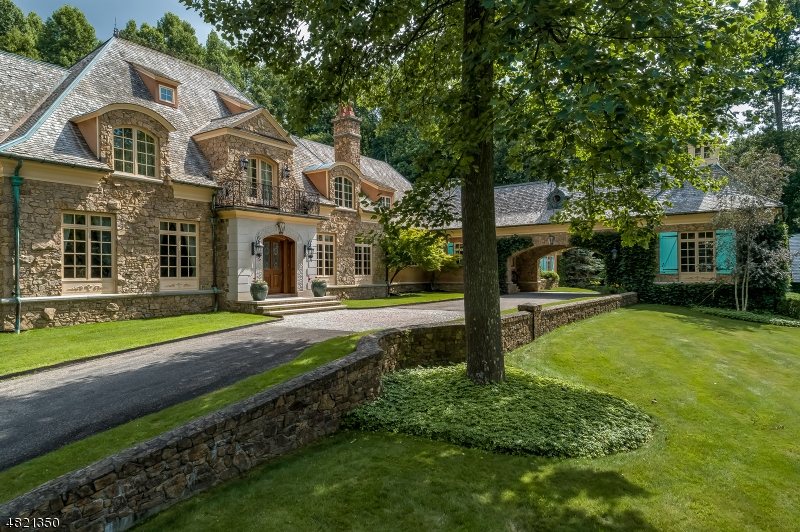 Single Family Home for Sale at 8 Chapel Ln 8 Chapel Ln Mendham Borough, New Jersey 07945 United States