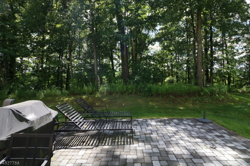 Additional photo for property listing at 4 N MACKENZIE LANE  Denville, New Jersey 07834 United States
