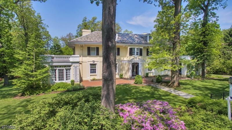 Single Family Home for Sale at 81 OAK RIDGE AVE 81 OAK RIDGE AVE Summit, New Jersey 07901 United States
