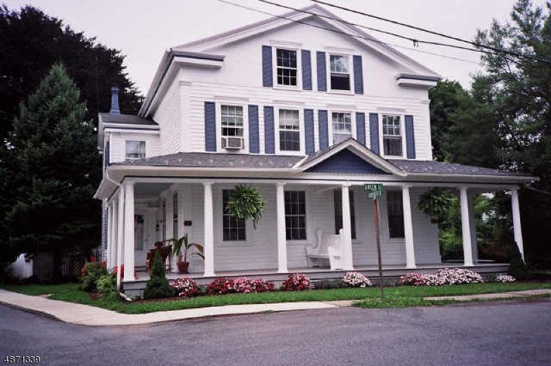 Enfamiljshus för Försäljning vid 32 GREEN Street Milford, New Jersey 08848 Förenta staterna