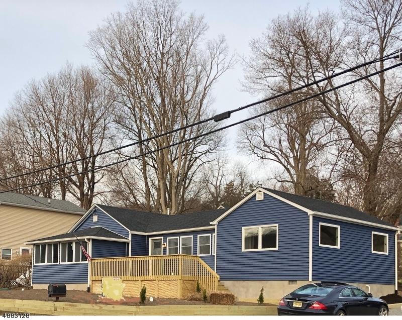 Maison unifamiliale pour l Vente à 2 HILL Drive Liberty Township, New Jersey 07823 États-Unis