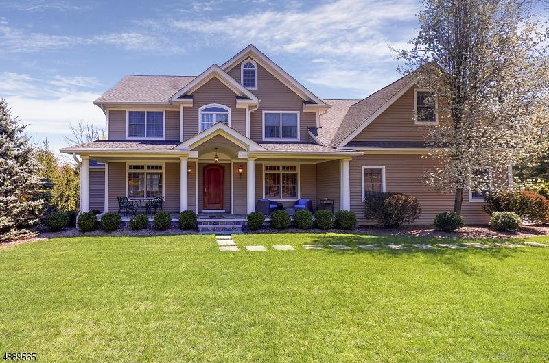 Частный односемейный дом для того Продажа на 107 OLD FORGE Road Long Hill, Нью-Джерси 07946 Соединенные Штаты