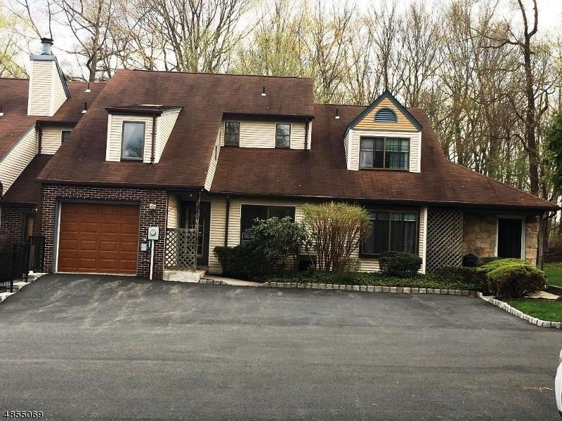 Property pour l Vente à Mine Hill, New Jersey 07803 États-Unis