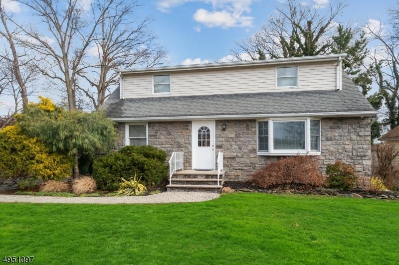 Single Family Homes por un Alquiler en Edison, Nueva Jersey 08837 Estados Unidos
