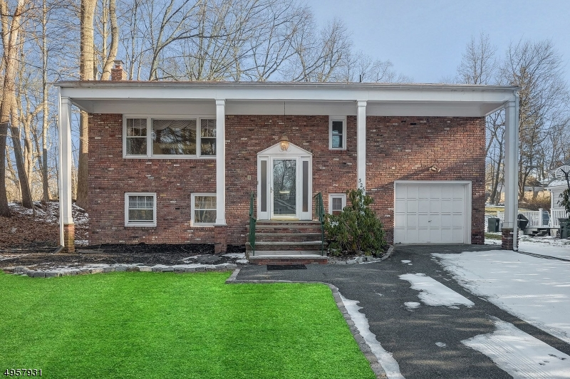 Single Family Homes por un Venta en Essex Fells, Nueva Jersey 07021 Estados Unidos