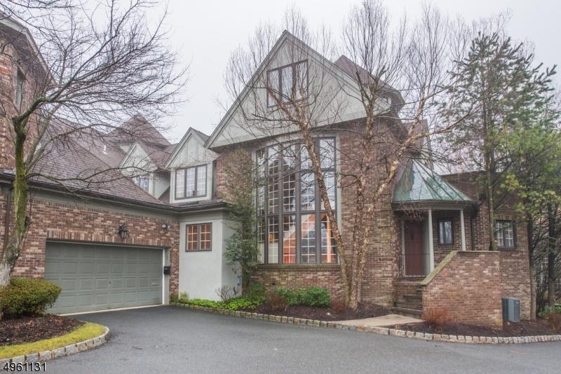Condominio / Townhouse per Vendita alle ore Verona, New Jersey 07044 Stati Uniti
