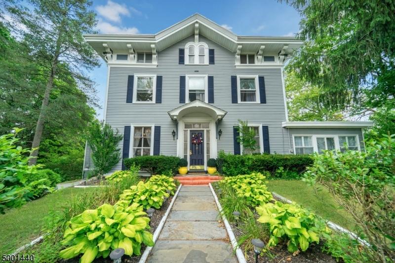 Single Family Homes pour l Vente à Newton, New Jersey 07860 États-Unis