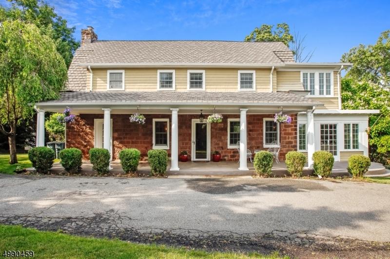 Single Family Homes för Försäljning vid Hillsdale, New Jersey 07642 Förenta staterna