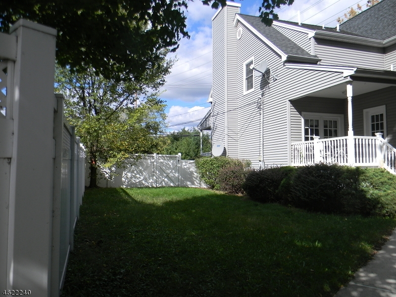 Additional photo for property listing at 296 Paterson Avenue  Little Falls, Нью-Джерси 07424 Соединенные Штаты