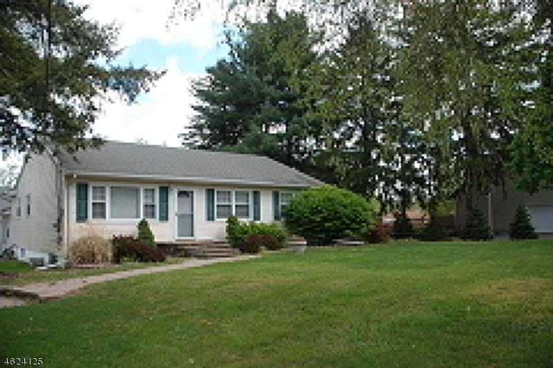 Maison unifamiliale pour l Vente à 7 Ridge Road Flemington, New Jersey 08822 États-Unis