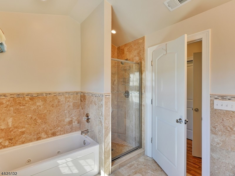 Additional photo for property listing at 14 Elmer St, UNIT 3B  Madison, New Jersey 07940 États-Unis