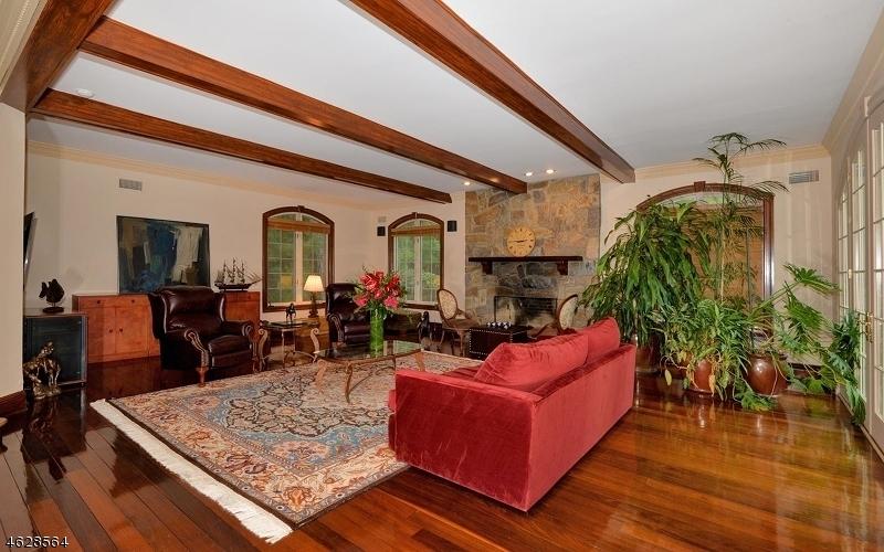 Additional photo for property listing at 75 Glen Avenue  West Orange, Nueva Jersey 07052 Estados Unidos