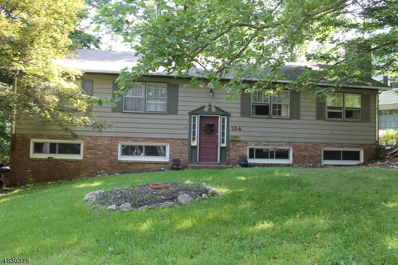 Additional photo for property listing at 104 Summit Road  Sparta, New Jersey 07871 États-Unis