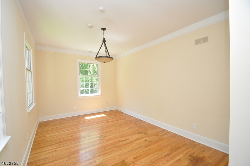 Additional photo for property listing at 1 Harmony Ter  Phillipsburg, New Jersey 08865 United States