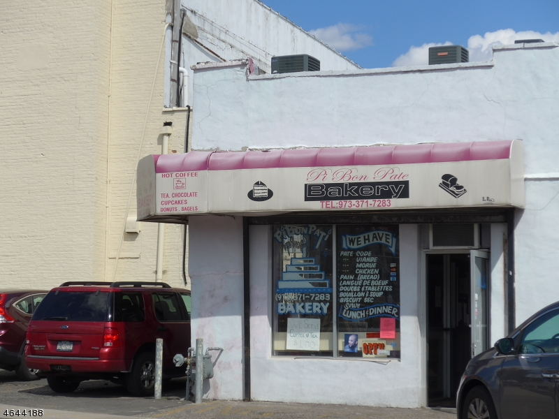 商用 为 销售 在 6 Ball Street Irvington, 07111 美国