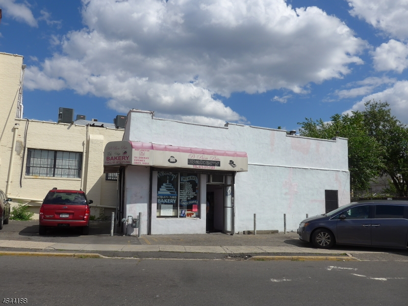 Additional photo for property listing at 6 Ball Street  Irvington, New Jersey 07111 États-Unis
