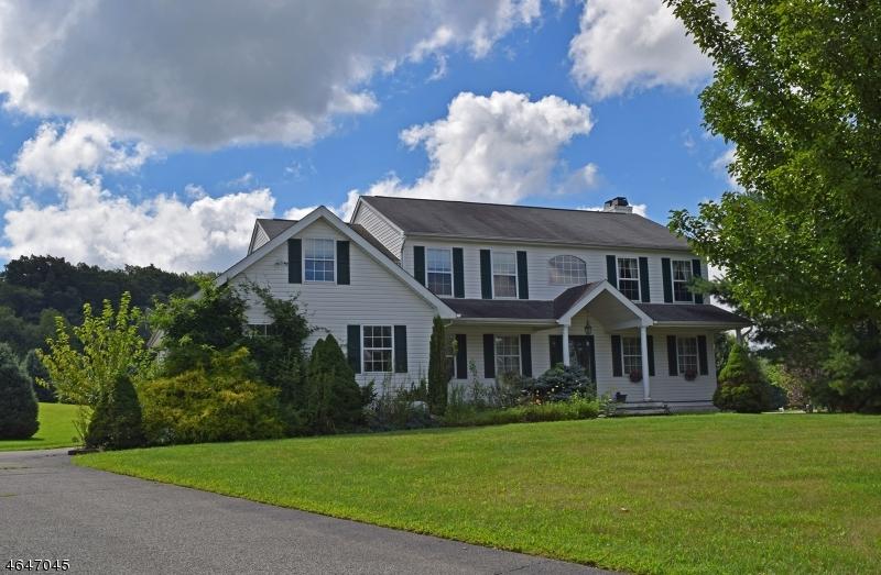 Частный односемейный дом для того Продажа на 38 Bailey Park Drive Augusta, Нью-Джерси 07822 Соединенные Штаты