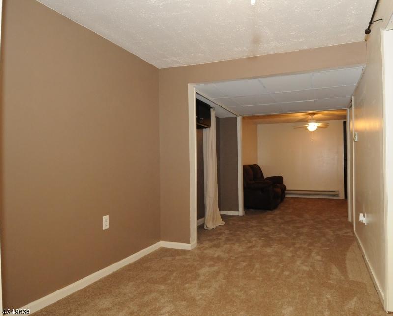 Additional photo for property listing at 52 Wood Duck Court  Allamuchy, Нью-Джерси 07820 Соединенные Штаты