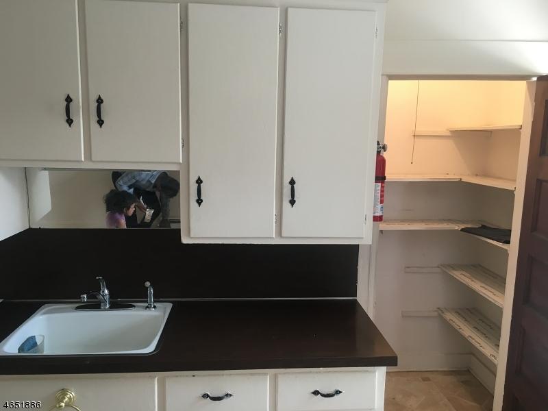 Additional photo for property listing at 20 Post Street  Haledon, 新泽西州 07508 美国