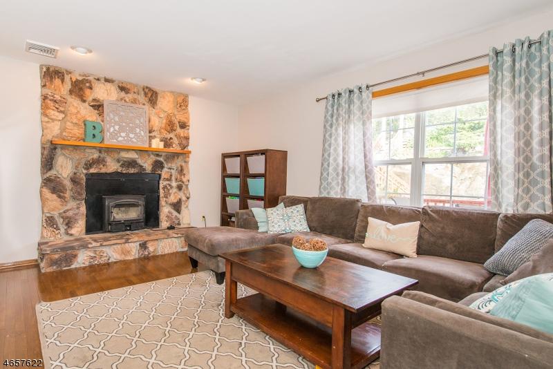 Additional photo for property listing at 28 Elinora Drive  Wanaque, Nueva Jersey 07465 Estados Unidos