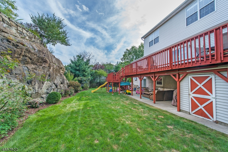Additional photo for property listing at 28 Elinora Drive  Wanaque, New Jersey 07465 United States