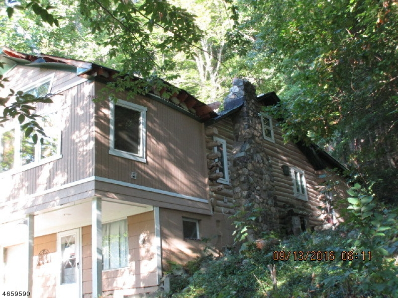 Additional photo for property listing at 16 Cliff Road  West Milford, New Jersey 07480 United States