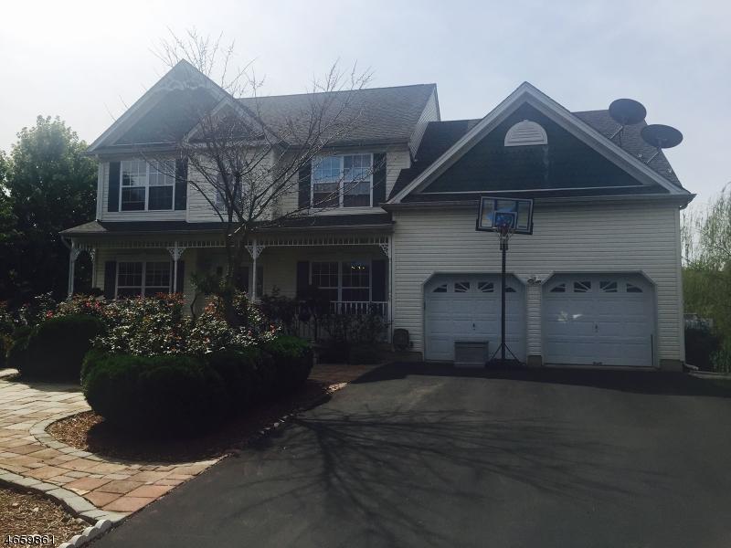 独户住宅 为 销售 在 28 Van Nest Oxford, 07863 美国