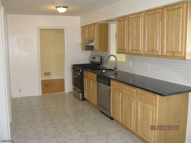 Additional photo for property listing at 44 Greendale Road  Clifton, Nueva Jersey 07013 Estados Unidos