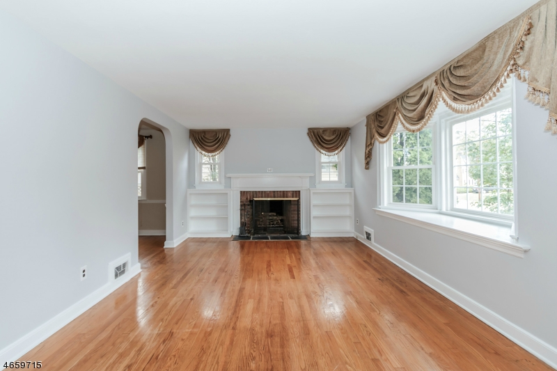 Additional photo for property listing at 717 Coleman Place  Westfield, Nueva Jersey 07090 Estados Unidos