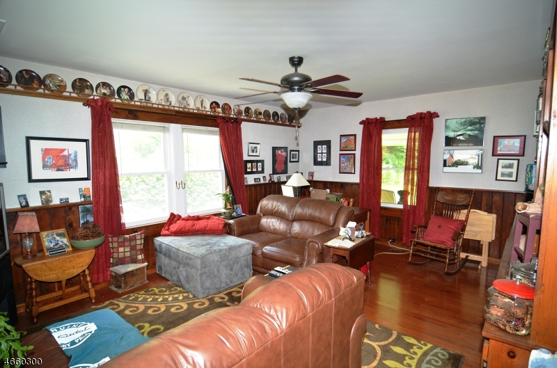 Additional photo for property listing at 1093 State Route 173  Asbury, Нью-Джерси 08802 Соединенные Штаты
