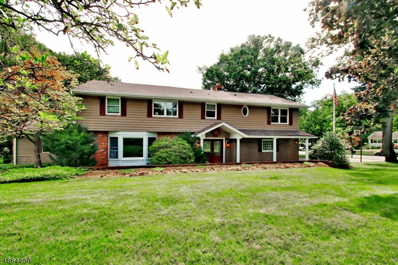 Single Family Home for Sale at 53 Hampshire Road Township Of Washington, 07676 United States