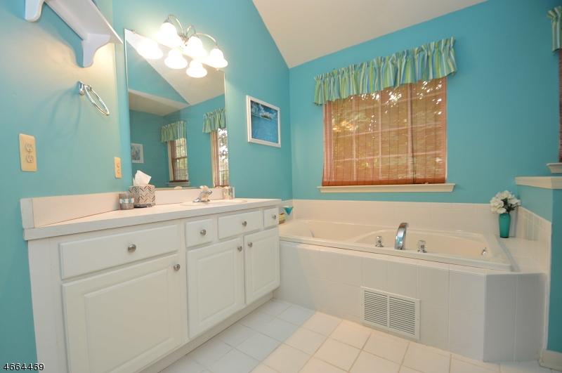Additional photo for property listing at 304 N Prospect Street  Phillipsburg, 新泽西州 08865 美国