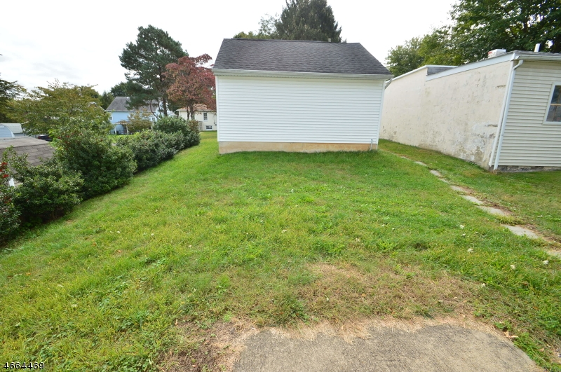Additional photo for property listing at 304 N Prospect Street  Phillipsburg, New Jersey 08865 États-Unis