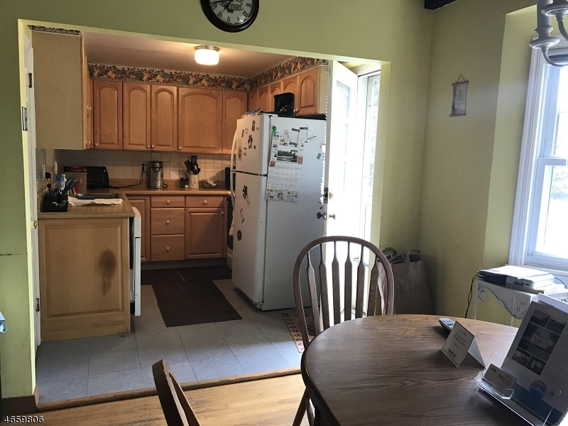 Additional photo for property listing at 139 Sherman Avenue  Cedar Grove, Nueva Jersey 07009 Estados Unidos