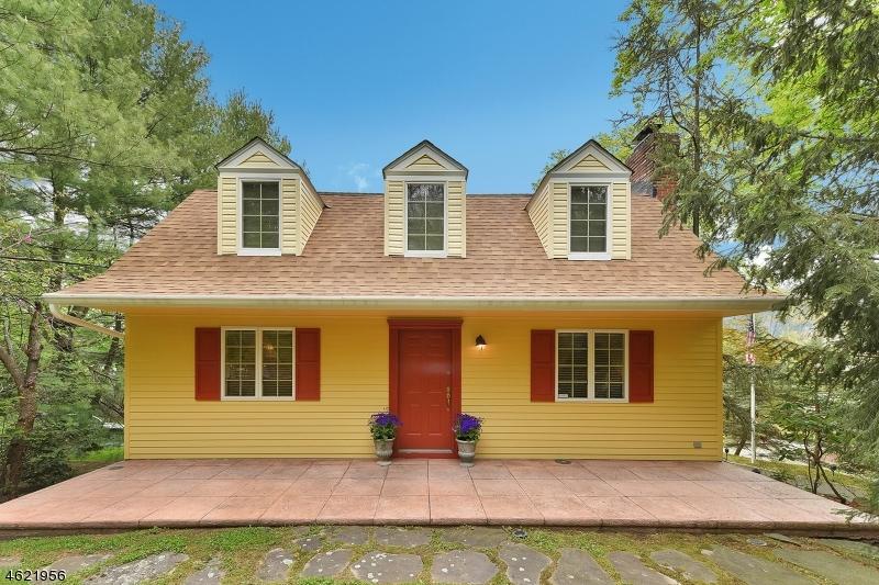 独户住宅 为 销售 在 739 Van Emburgh Avenue Township Of Washington, 07676 美国