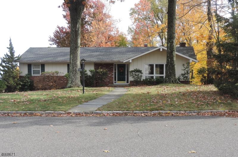 Maison unifamiliale pour l à louer à 1061 Prospect Avenue Mountainside, New Jersey 07092 États-Unis
