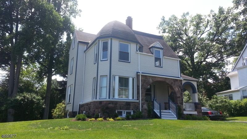 Maison unifamiliale pour l Vente à 66 Clark Street Glen Ridge, New Jersey 07028 États-Unis