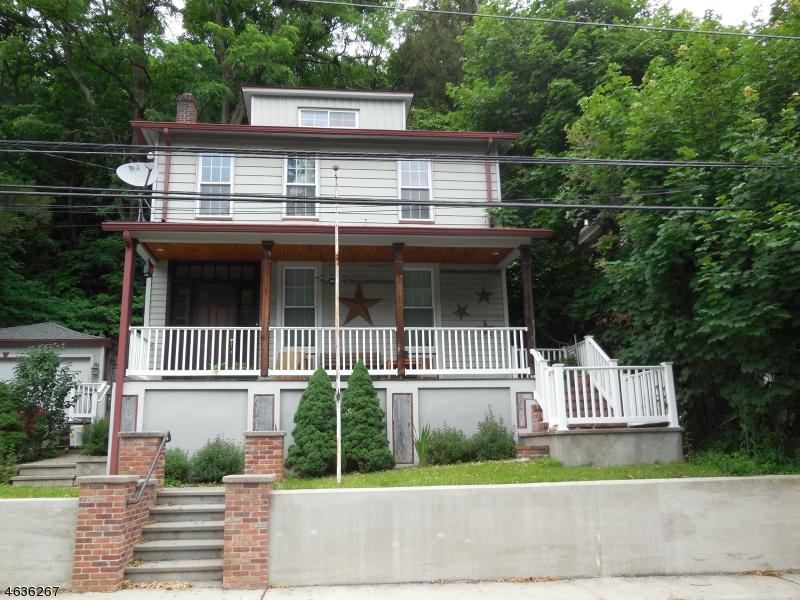 Casa Unifamiliar por un Venta en 79 Main Street Glen Gardner, Nueva Jersey 08826 Estados Unidos