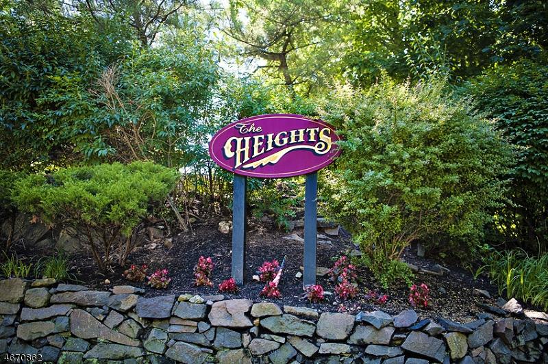 Частный односемейный дом для того Продажа на 401 Heights Drive Haledon, 07508 Соединенные Штаты